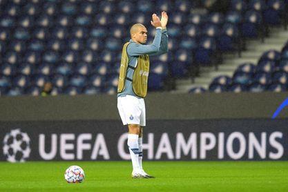 Pepe alcanza su partido cien en Champions