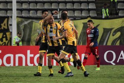 Táchira y Deportivo Lara arrancan fuerte en la liga de fútbol en Venezuela