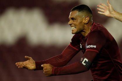 3-2. Lanús logra un agónico triunfo ante Sao Paulo en un partido vibrante