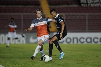 1-2. Forge F.C. derrota al Tauro F.C. y avanza a cuartos en Liga Concacaf
