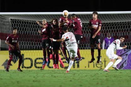 4-3. Lanús pierde, pero elimina al Sao Paulo con la fórmula del gol visitante