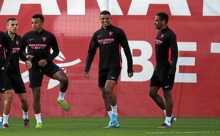 El Liverpool, cada vez más pendiente de Diego Carlos y Koundé