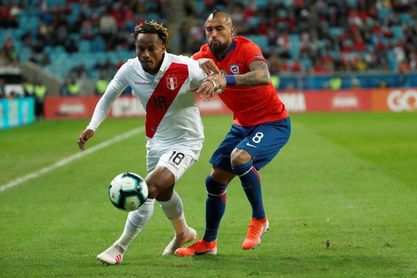 Chile y Perú chocarán por los tres puntos en un nuevo Clásico del Pacífico
