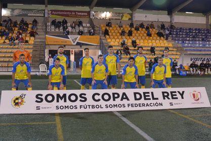 El técnico del Tomares se decanta entre Betis y Sevilla FC, pero sorprende al 'pedir' un rival para la Copa