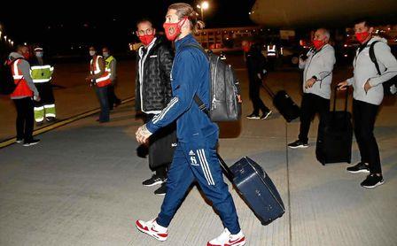 España llega a Sevilla centrado en Alemania.