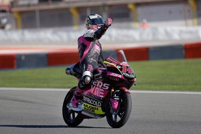 Tony Arbolino gana en Moto3 y rompe la estrategia Raúl Fernández