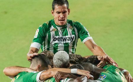 El Betis ve la renovación de Mandi bien encaminada