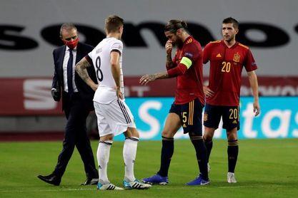 Canales y Sergio Ramos se retiran con sendas lesiones en el bíceps femoral