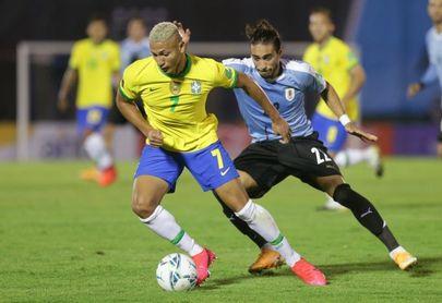 0-2. Brasil enlaza cuarto triunfo y golpea de nuevo a Uruguay en Montevideo