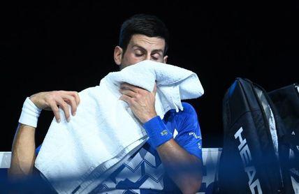 Un apático Djokovic se diluye ante Medvedev