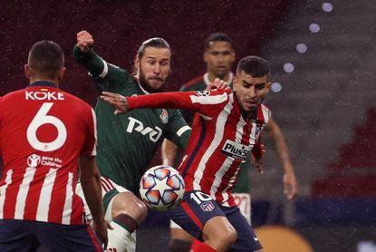Vallejo y Maxi frente a Correa y Lemar en ataque