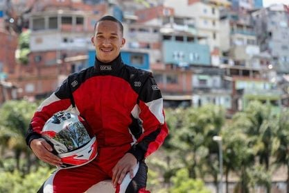 """El """"Hamilton de la Favela"""", sacrificio y talento por el sueño de la Fórmula Uno"""