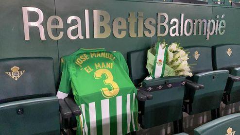 El homenaje del Betis a El Mani ante el Eibar