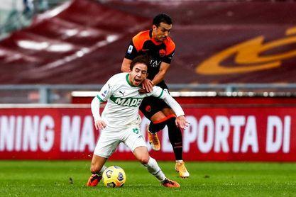 Pedro ve su primera roja en 351 partidos ligueros y el Roma se atasca