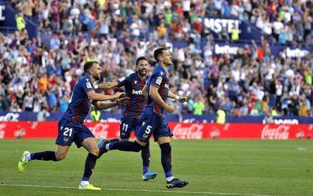 Radoja y Sergio León, únicos levantinistas que han ganado en el Camp Nou