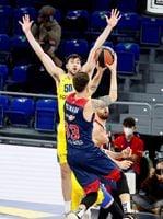 63-67. El Maccabi frena al Baskonia