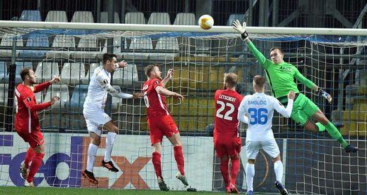 El AZ Alkmaar pierde ante el Rijeka y cae eliminado