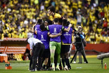 Barcelona gana y queda líder absoluto en Ecuador