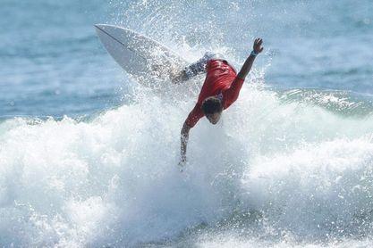 Más de 100 surfistas compiten en torneo Latinoamericano en El Salvador
