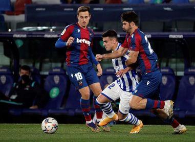 2-1. El Levante se llevó un partido que ambos que quisieron ganar