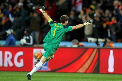 Camiseta Casillas en Sudáfrica 2010, objeto más preciado en subasta solidaria