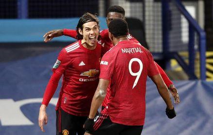 Cavani y Martial meten al United en las semifinales de la Copa de la Liga