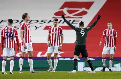 El Tottenham avanza a semis con gol de Bale