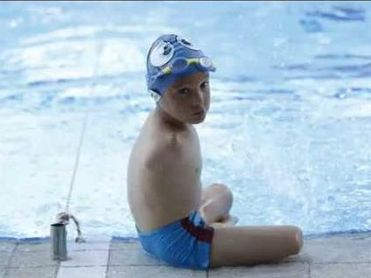 Ismail, un niño de 10 años sin brazos, 'Deportista del Año' en Bosnia