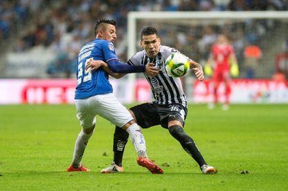 """El paraguayo Ortiz firmaría su renovación con Monterrey """"hasta con los pies"""""""