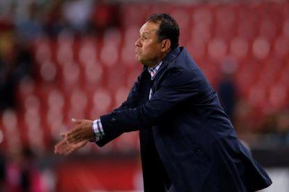 Reynoso pide lealtad a la afición de Cruz Azul para romper sequía de títulos