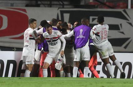 Sao Paulo a seguir distanciándose ante un Santos concentrado en la Libertadores