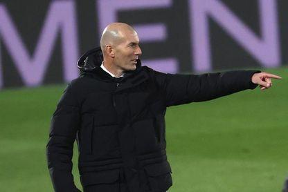 Zidane dirigirá al Real Madrid en Pamplona