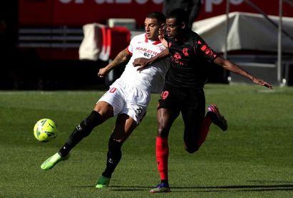 3-2. El triplete de En-Nesyri impulsa al Sevilla en su objetivo 'Champions'