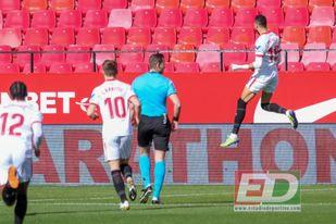En-Nesyri logró un ´hat-trick´ ante la Real Sociedad.
