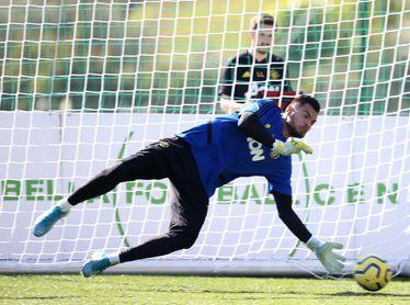 Sergio Romero (33) acaba contrato en junio.