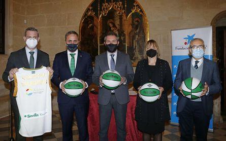 Ayuntamiento de Sevilla, Caixabank y Fundación Aro adecuarán con canastas las plazas de barrios desfavorecidos