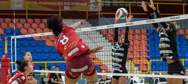 Aplazado el Cajasol Vóley Dos Hermanas-Algar por covid-19 en el equipo murciano