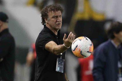 El técnico del Santos agradece a Pelé por incentivarles para llegar a la final