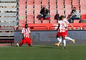 5-0. El Almería ridiculiza al Alavés de Abelardo con una ´manita´