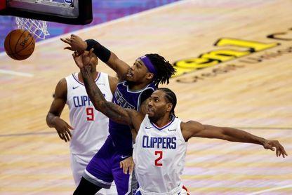 100-138. Leonard y George lideran exhibición encestadora de Clippers