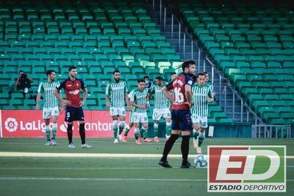 El Betis sólo perdió en 4 de las 35 visitas oficiales de Osasuna.