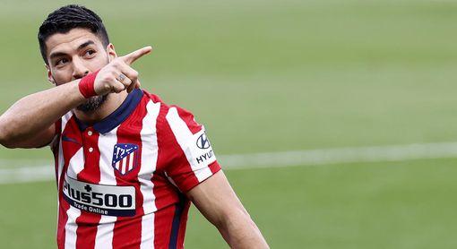 2-4. El Atlético pone la directa hacia el título