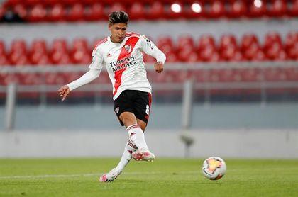 El centrocampista colombiano de River Plate Jorge Carrascal tiene coronavirus