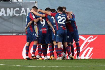Athletic y Levante se cruzan 74 años después de su único enfrentamiento