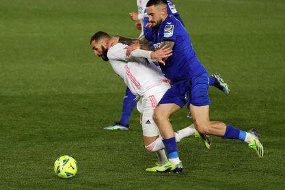 La defensa uruguaya del Getafe sucumbe ante el Real Madrid