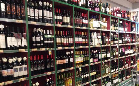La Junta de Andalucía prohíbe la venta de alcohol a partir de las 18 horas.