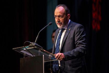 Paco Díez logra mayoría para un segundo mandato