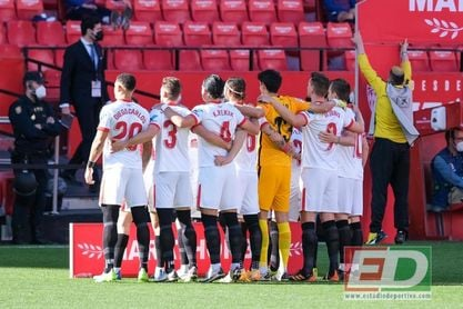 El Sevilla FC forma un auténtico muro en cada partido.
