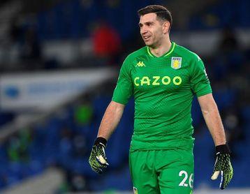 Emiliano Martínez logra otra portería a cero con el Aston Villa