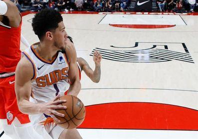 120-111. Ante los Sixers, los Suns amplían racha ganadora liderados por Booker